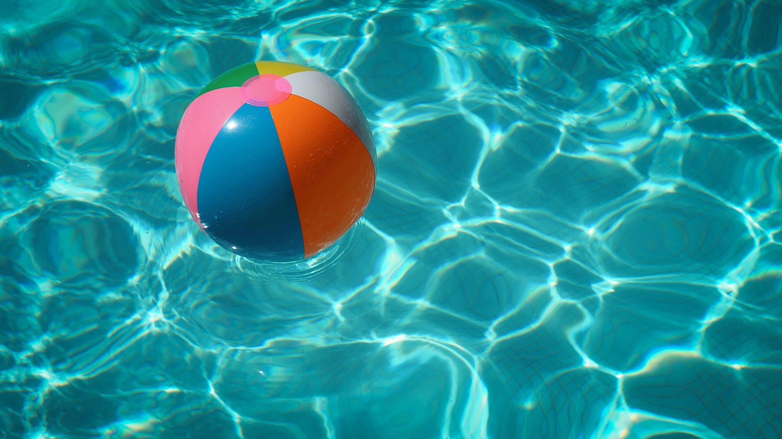 Een opzetzwembad opbouwen in jouw tuin doe je zo